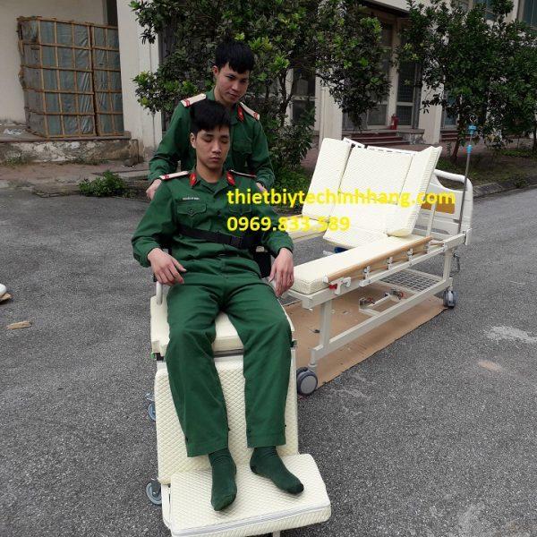 giường bệnh tách thành xe lăn